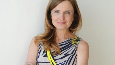 Atriz Clara Carvalho