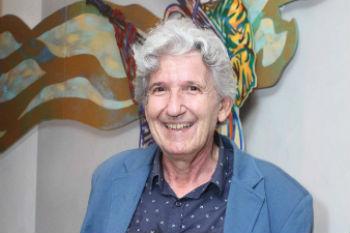 Critico José Henrique Fabre Rolim.