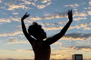 Grécia Catarina dançando Nice, de Ligiana Costa - Foto: Divulgação assessoria