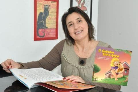 Adriana Balsanelli, autora de A Galinha Bira-bira - Foto: Iara Morselli